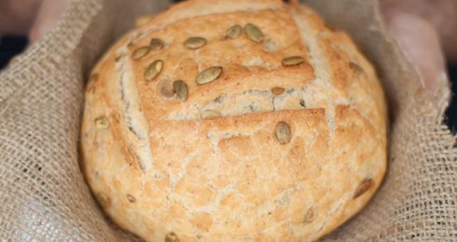 Pan sin levado en cazuela de barro