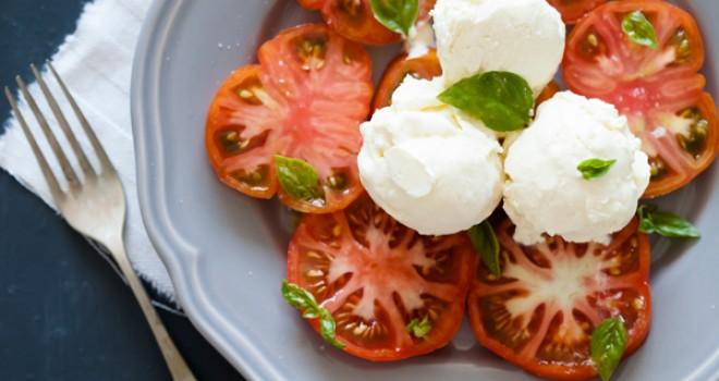 Tomates Raf con helado de aceite de oliva